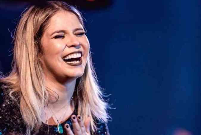 No Instagram, a cantora Marília Mendonça fez um desabafo dizendo estar arrependida por ter apoiado a campanha #EleNão, contra o candidato Jair Bolsonaro(foto: Instagram/mariliamendoncacantora/Reprodução)