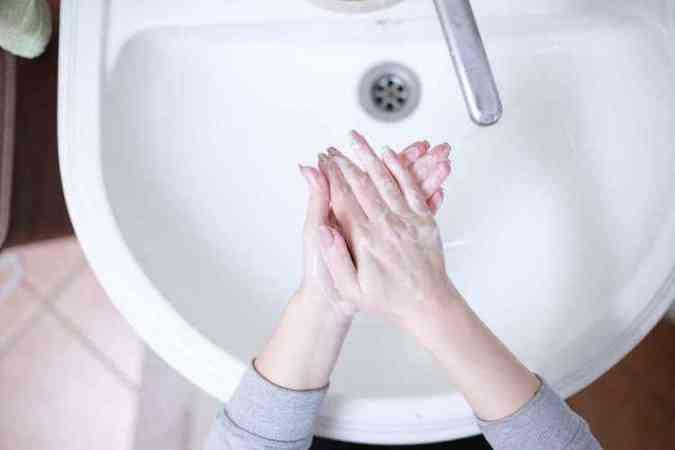 Lavar as mãos por 20 a 40 segundos, com frequência: hábito simples é arma contra infecções(foto: Pixabay)